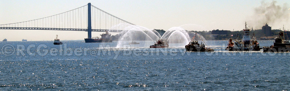 Verrazano bridge boats New York bay